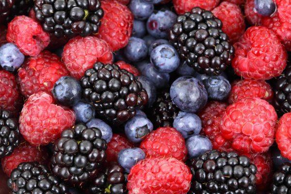 fruit-can-damage-teeth