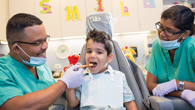autisti-child-at-the-dentist