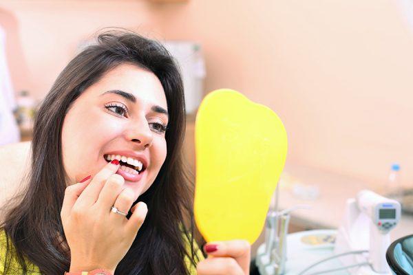 5 reasons people get dental implants