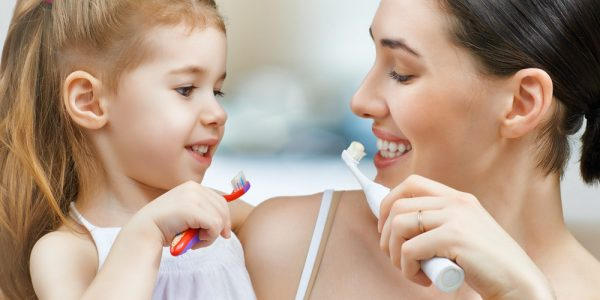 caring for kids' teeth